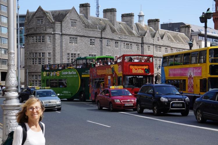 the buses are abundant 24/7