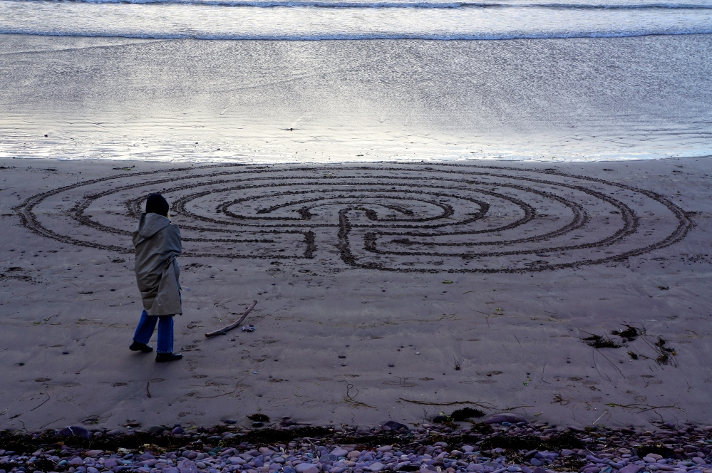Beach labyrinth - Rossbeigh (3/6)