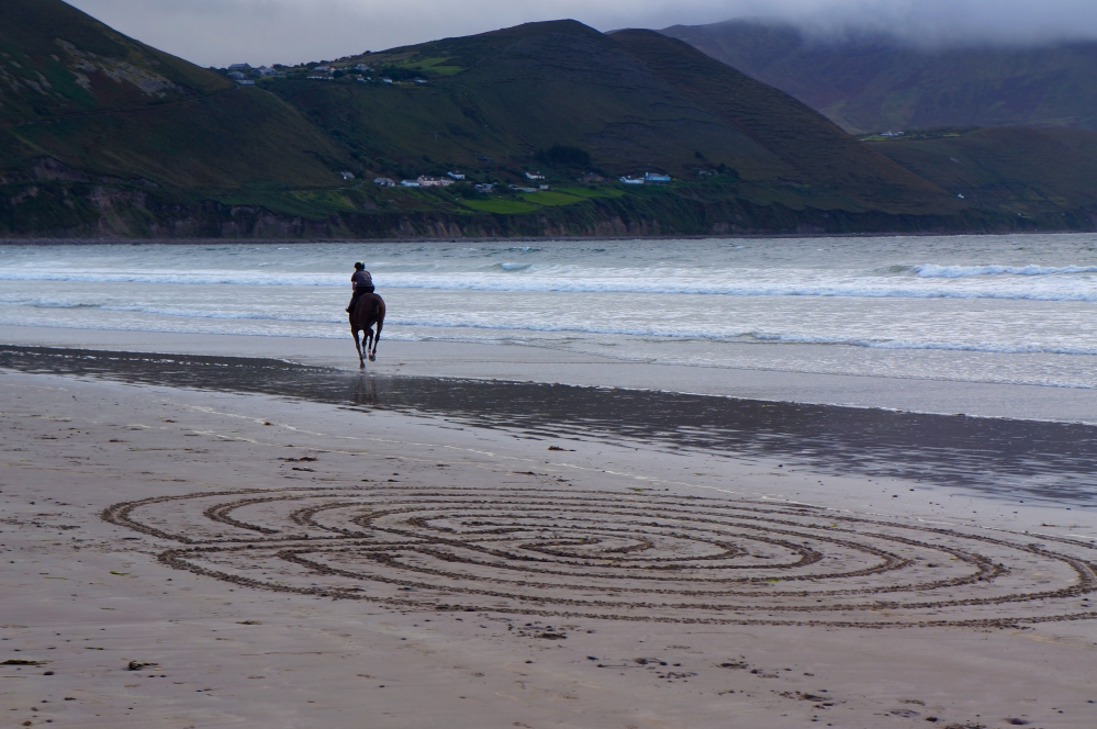 Beach labyrinth - Rossbeigh (4/6)