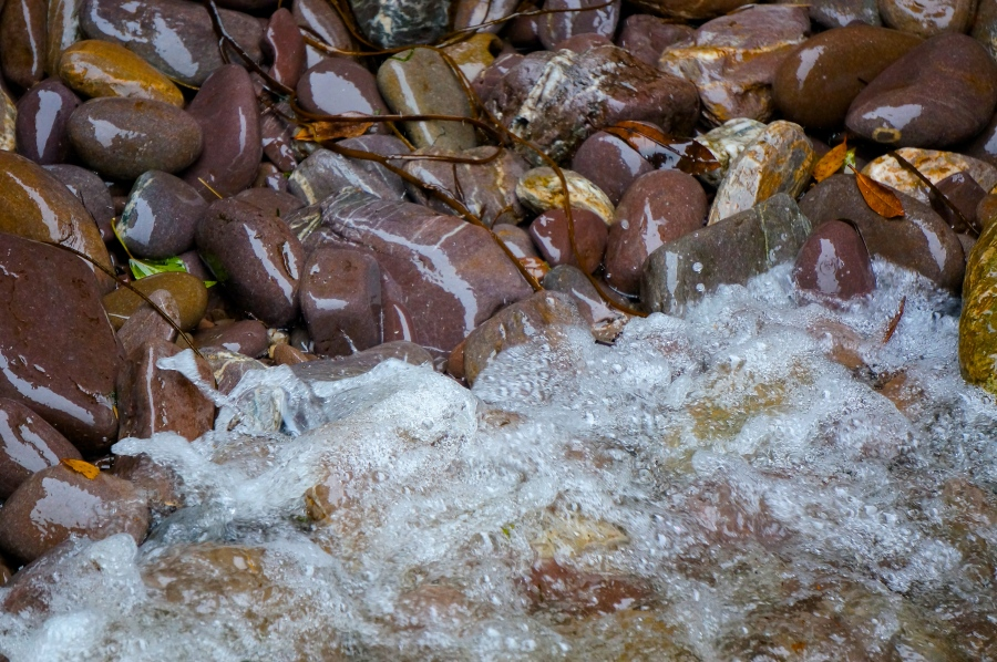 water and rocks in conversation